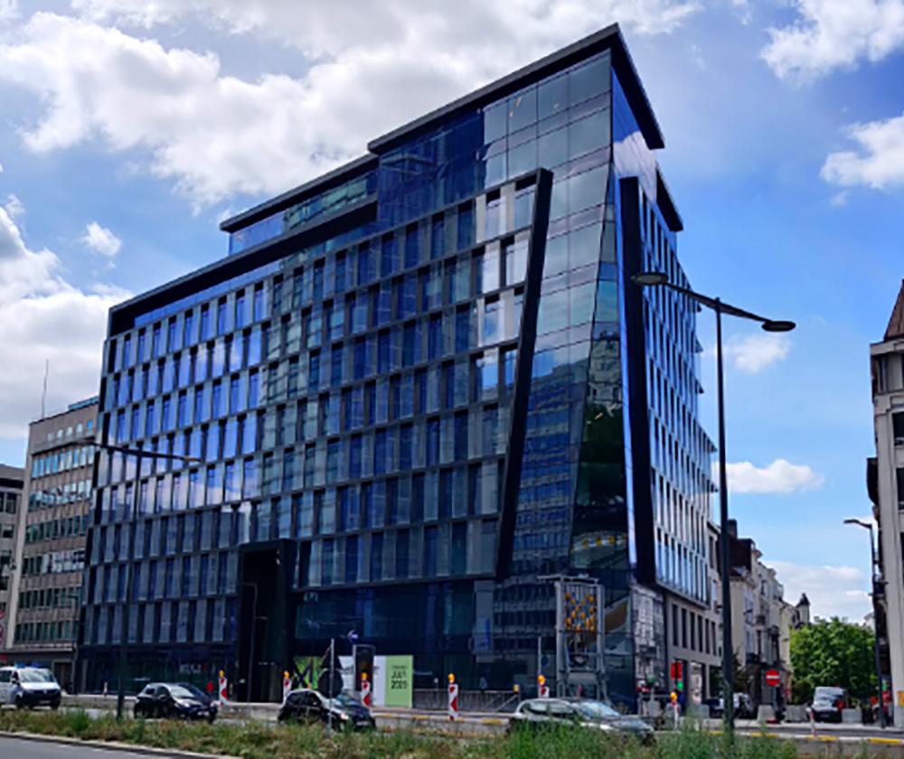 ARTICLE DE PRESSE – Ethias mise sur Design Plus pour ses nouveaux bureaux dans le bâtiment Spectrum